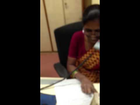 BSNL Bangalore telecom worker chats on phone while neglected customers wait in queue!