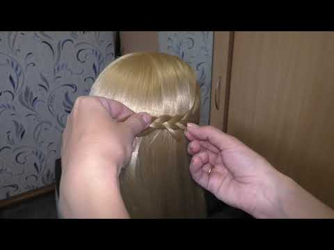 Красивая и легкая прическа на распущенные волосы