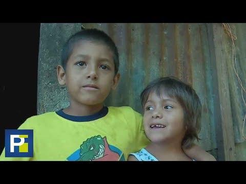 """""""Yo siempre le pido al niño Dios, pero nunca me trae nada"""": Humilde niño de El Salvador"""