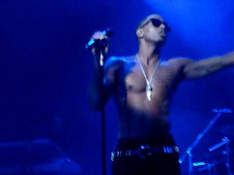 Trey Songz Live in London - Panty Droppa