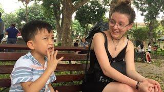 """Cậu bé Quang Bình 6 Tuổi - """"Accents"""" Tiếng Anh cực đỉnh ??? Cô gái Tây Ngạc nhiên ???"""