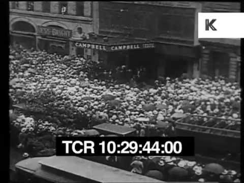 1926 Funeral of Rudolph Valentino, Mass Hysteria on the streets of New York