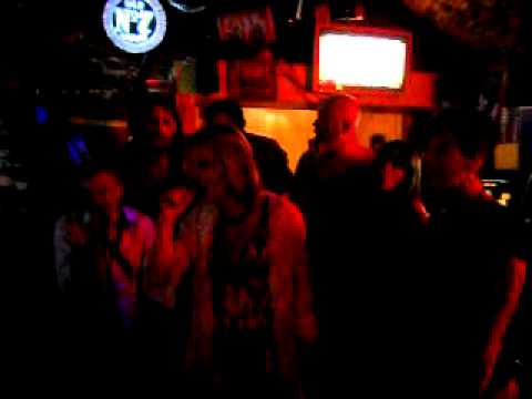 Diesel Bar karaoke de folie...