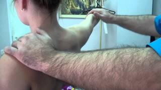 Спазмы и боли в шеи.(Мы в твиттере: https://twitter.com/ste752 В данном ролике показаны методы снятия спазм в шеи. По всем вопросам обращайте..., 2014-10-23T20:08:46.000Z)