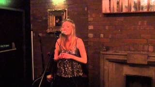Madeleine Cole - All I want for christmas is you (Lady Antebellum)