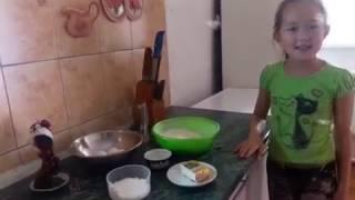 Как приготовить вафли,лучший рецепт(Меня зовут Дария,мне 9 лет. Сегодня мы будем готовить вафли,если вам интересно,то смотрите видео., 2016-07-29T11:01:25.000Z)