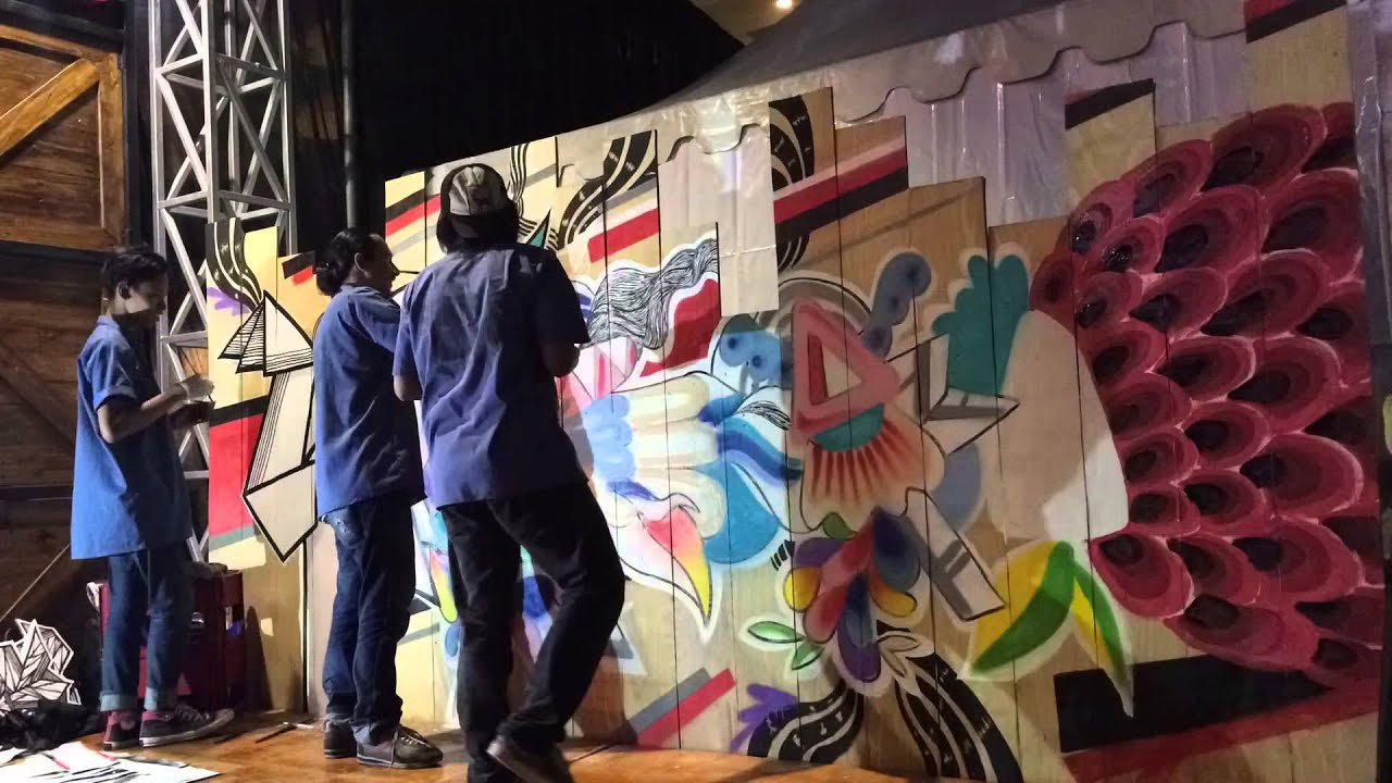 Live mural sms indiecloting 2015 youtube for Mural alternatywy 4