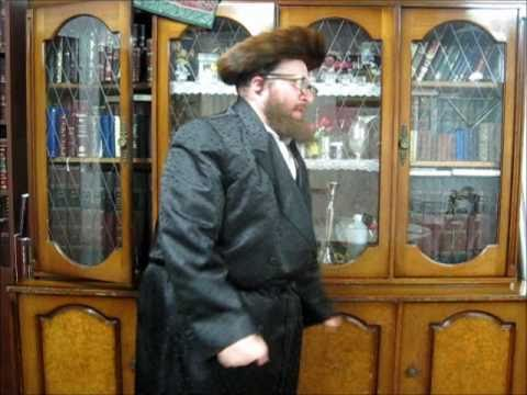 ר' מנשה לוסטיג'ס שבת - טיש     Friday night & Menashe