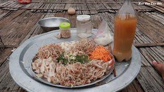 Tai Lợn Nộm Nước Măng Chua   Hoa Ban Tây Bắc