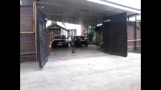 видео Автоматические ворота распашного типа