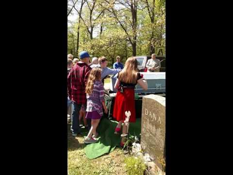 Robert Taylor burial service