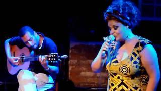 """Fabiana Cozza interpreta """"Pranto de Poeta"""", Bourbon Street - 08.02.2011"""