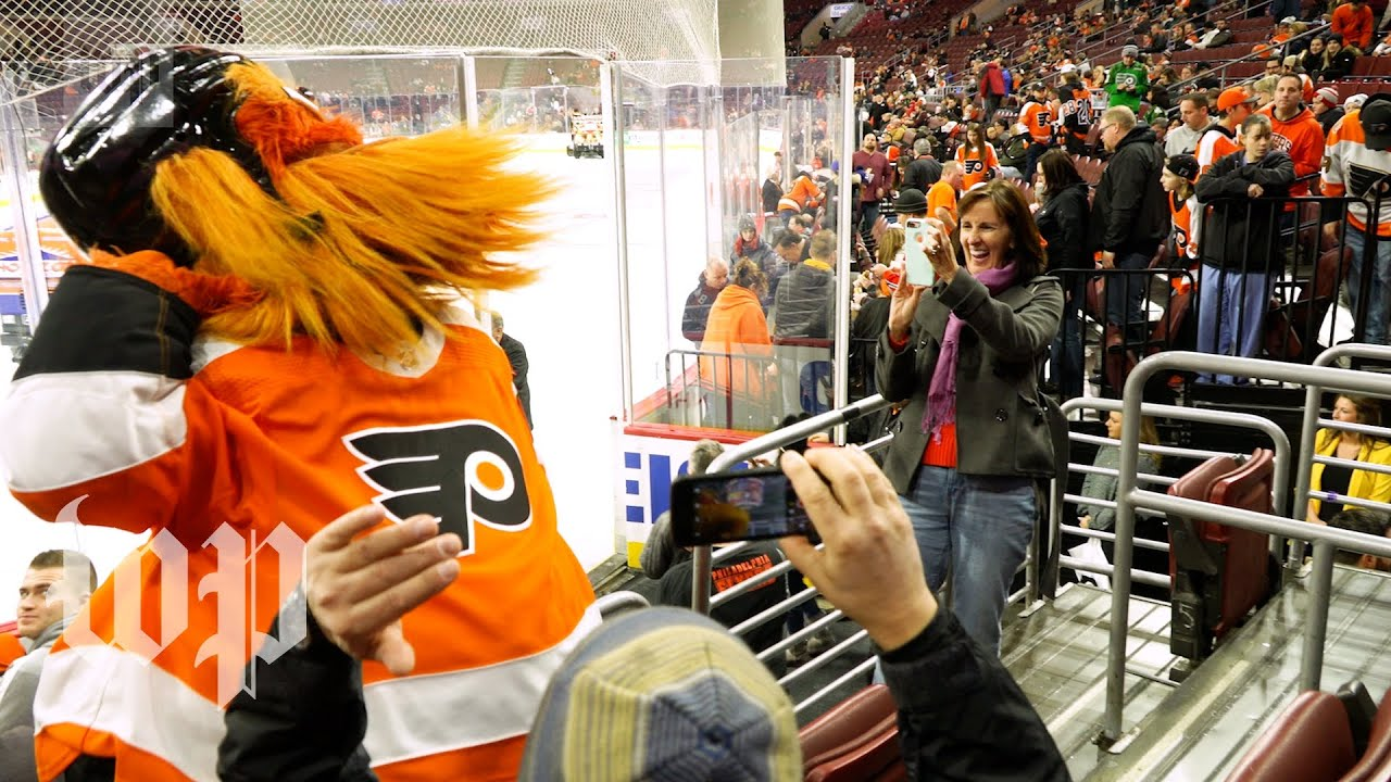 'Gritty did nothing wrong': Fans defend Philadelphia Flyers mascot ...