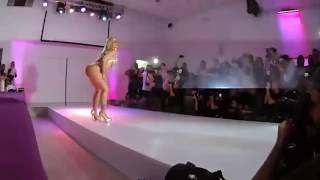 Fernanda Abraão – Miss Bum Bum Top (Loira da Laje)