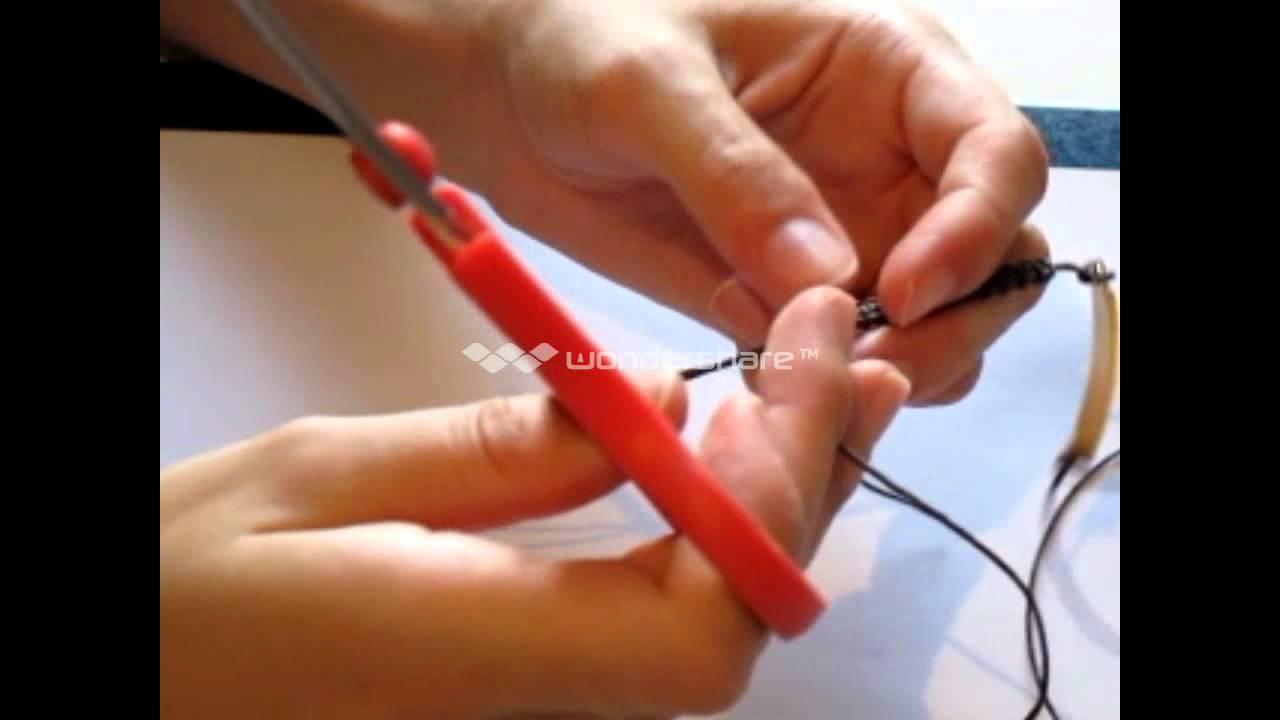 Πώς να φτίαξατε μακραμέ βραχιόλια (DIY How to make macrame bracelet) -  YouTube 53d9d9e615c