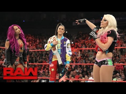 Alexa Bliss tries to get inside Bayley