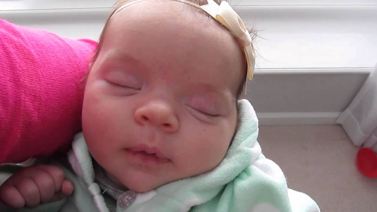 Baby Addie Sleep Smiles/Rolls Her Eyes - 1 Month Old, January 23, 2014 -  YouTube