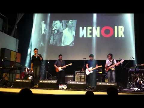 Memoir - Stay ( Live at Groove Station Carnival - Center Stage 2014 )