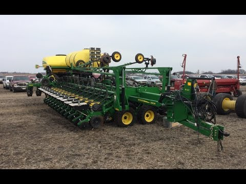 2015 John Deere DB66 36R-22 Planter Sold on Minnesota Farm Auction