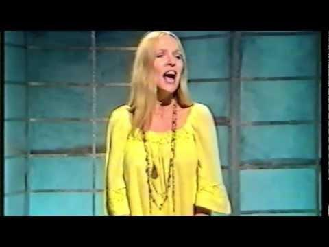 That's Life! N°1 Stephanie De-Sykes - YouTube