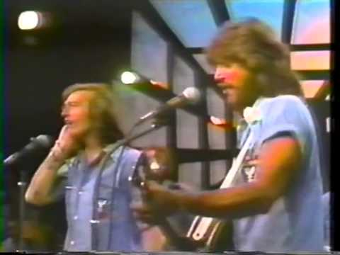 Bee Gees - Edge Of The Universe LIVE @ Soundstage Chicago 1975  3/19