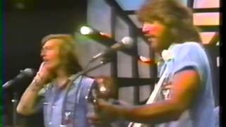 Download Bee Gees - Edge Of The Universe LIVE @ Soundstage Chicago 1975  3/19