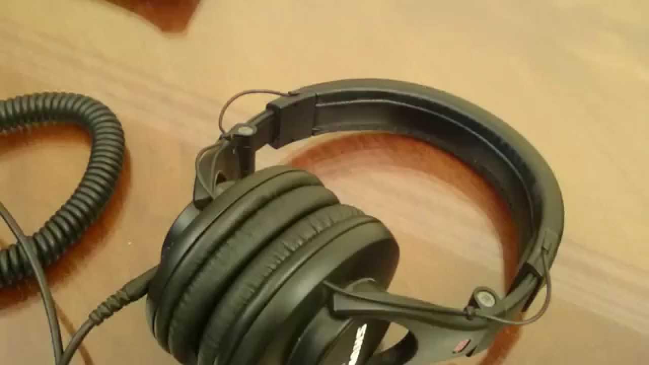 23169836ac0 Shure SRH440 Headphones Review - YouTube
