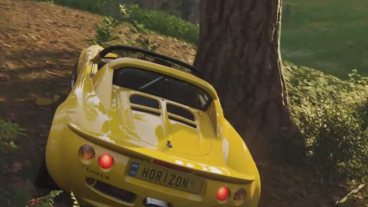 A man who can't drive plays Forza Horizon 4