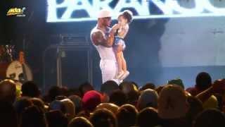 Filha de Tony Salles canta o sucesso Tchuco no Tchaco
