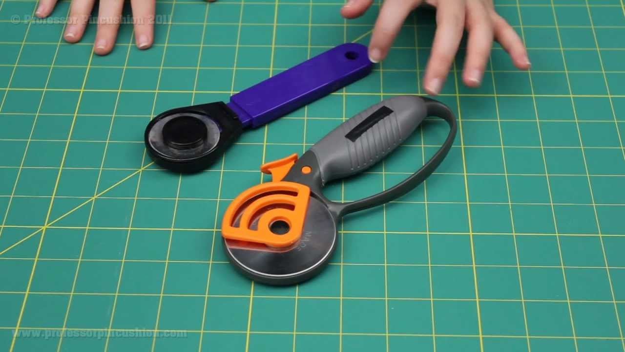 How to Use a Rotary Cutter - YouTube