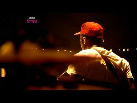 Bloc Party - Hunting For Witches LIVE @ Glastonbury 2009 [HQ]