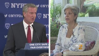 Queens Woman Confronts Mayor De Blasio