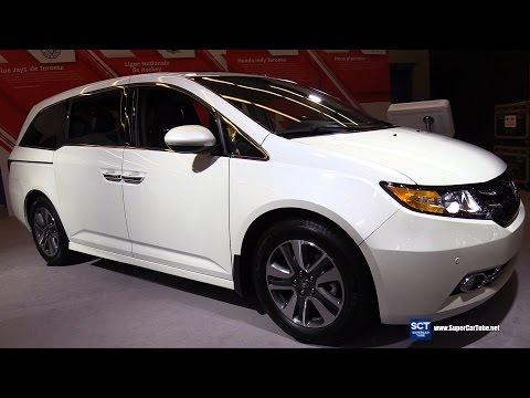 2016 Honda Odyssey Touring - Exterior and Interior Walkaround - 2016 Montreal Auto Show
