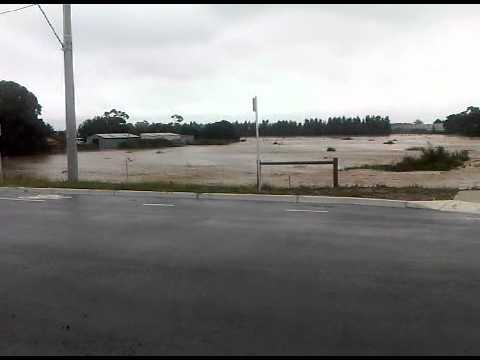 Pakenham VIC 20110205.3GP