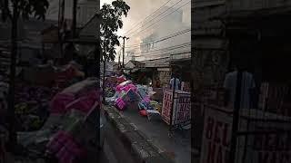 Video Kebakaran Di Toko Grosir Rokok dan Toko Patung Sebelah Transmart Depok 10-8-2018 Part 2