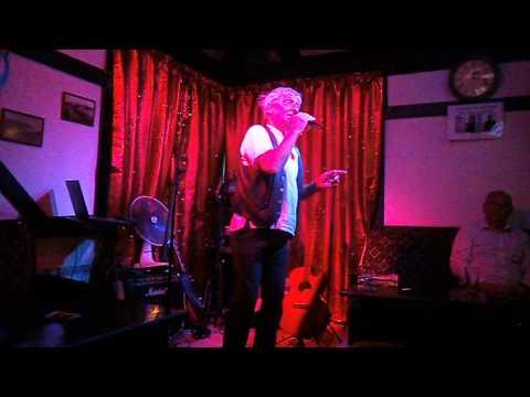 LEAPY LEE SINGS LITTLE ARROWS