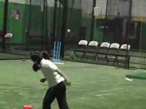 Cricket Youth : 7 Yr Old Girl from Missouri, USA loves the game