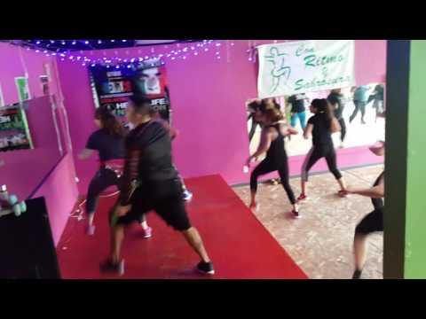 METO MANO MERENGE.  DANCE FITNESS WORKOUT  CON RITMO Y SABROSURA OMAHA NEBRASKA 💻Cienplan@yahoo.com