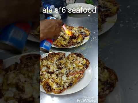 Proses pelelehan keju pada udang gala bakar keju