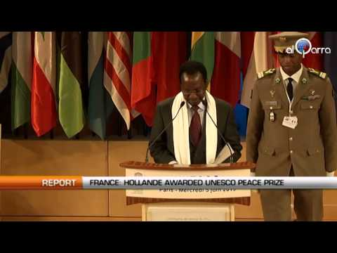 France: Hollande awarded UNESCO peace prize