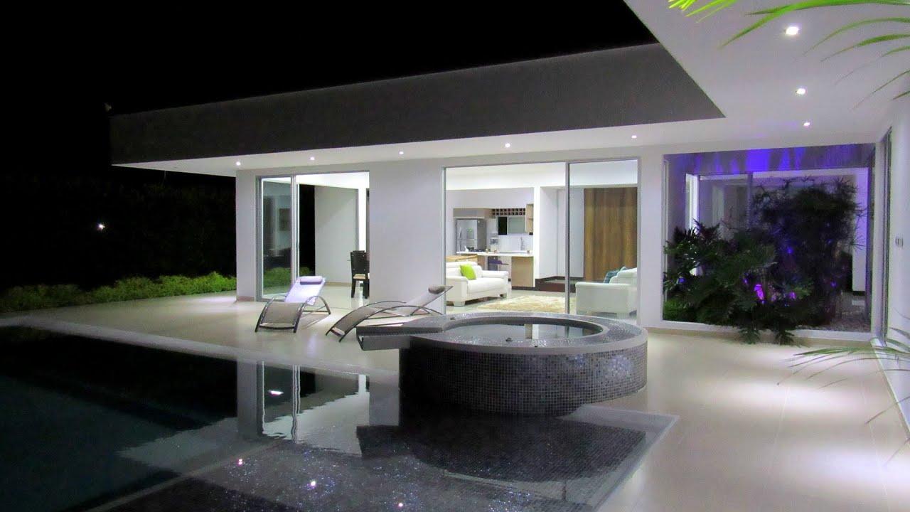 Extraordinaria casa campestre en combia condominio for Casas campestres contemporaneas