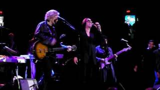 Hall & Oates - Grand Finale!   Didn