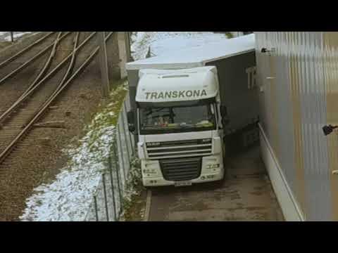 Kamionos bajban...