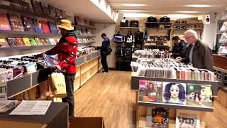 NEW YORK CITY Cratedigging/Vinyl Haul