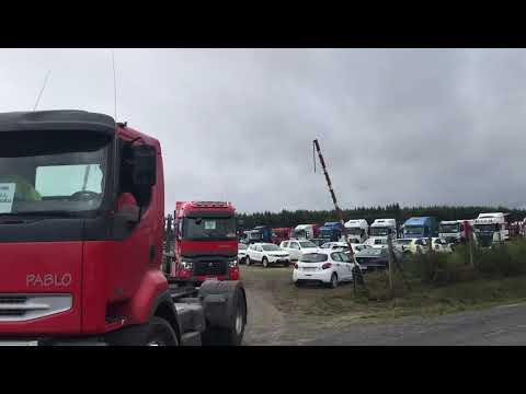 Salida de la caravana de transportistas de Ence desde Begonte
