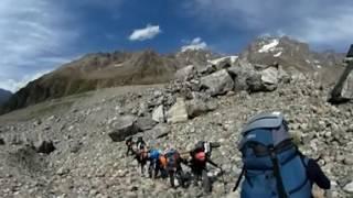 панорамное видео. путешествие, горы. несколько секунд горного похода.(ВНИМАНИЕ! Это сферическое панорамное видео и его можно крутить мышкой и смотреть вокруг себя. Несколько..., 2016-11-11T18:37:28.000Z)