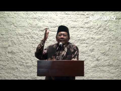 Prof. Mahfud MD saat Mengisi Ceramah Tarawih di Salman