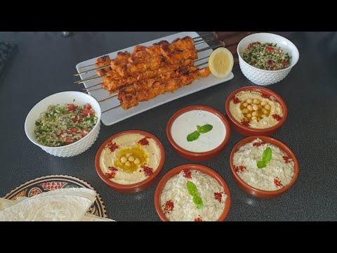 menu-libanais-chich-taouk-houmous-moutabal-taboulé-sauce-yaourt