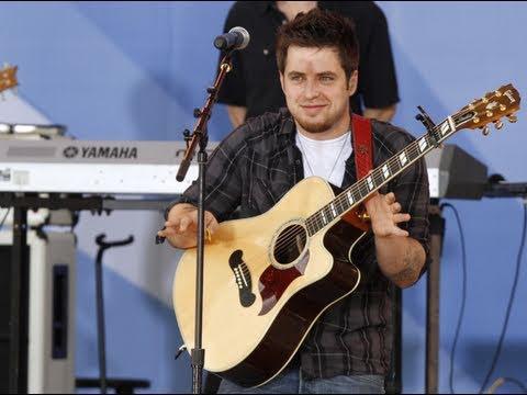 Lee DeWyze Breaks American Idol Tradition