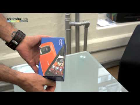 Nokia 808 PureView Unboxing Video and Accessories Hands-on